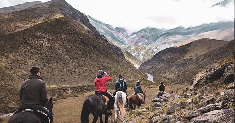 Gaucho Day , Private horseback riding in Mendoza Andes, horse riding, Andes tour, andes experience, cheval, randonnée, daniel ranch, piedra negra, asado, bbq